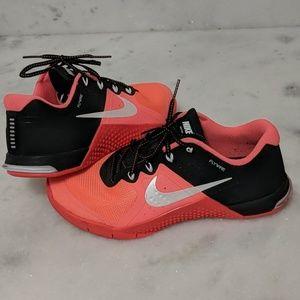 Women's Nike Metcon 2 training shoe size 7.5